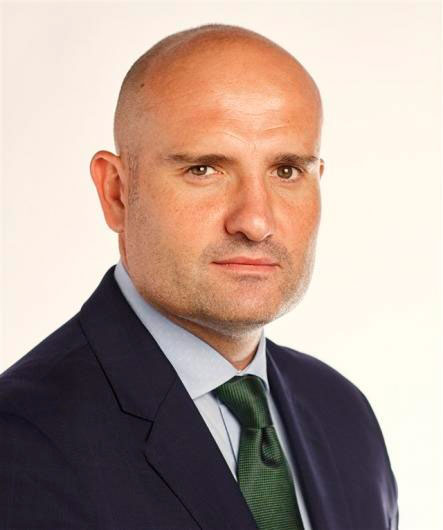Dr. Óscar Martín Ballesteros traumatologist
